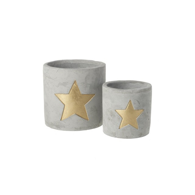 Cement pot with gold star