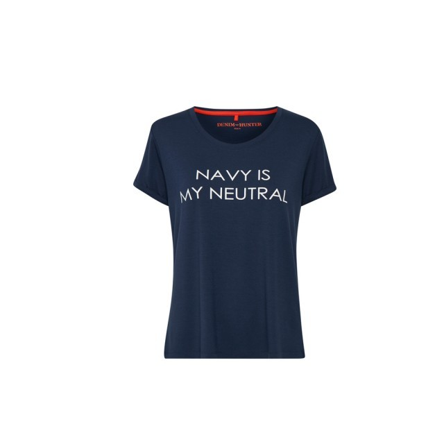 Navy is my neutral t.shirt